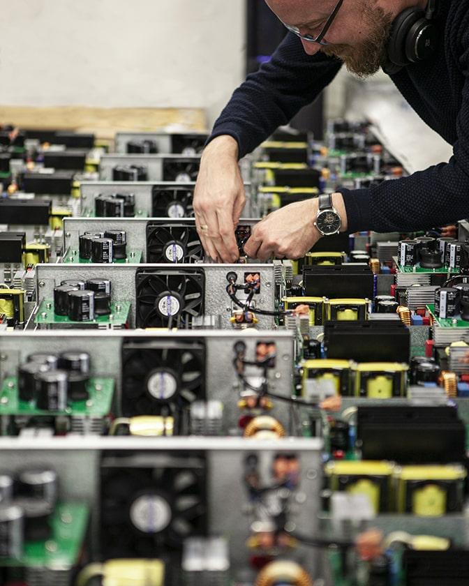 Elektronikproduktion hos CB Svendsen